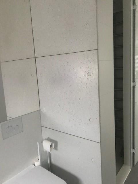 Realizacja płyty z betonu dekoracyjnego