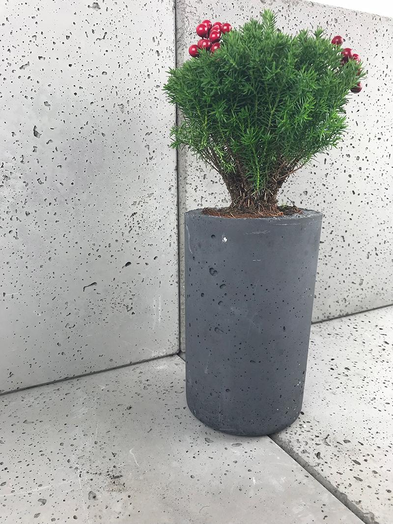 Ozdobeton wazon z betonu architektonicznego