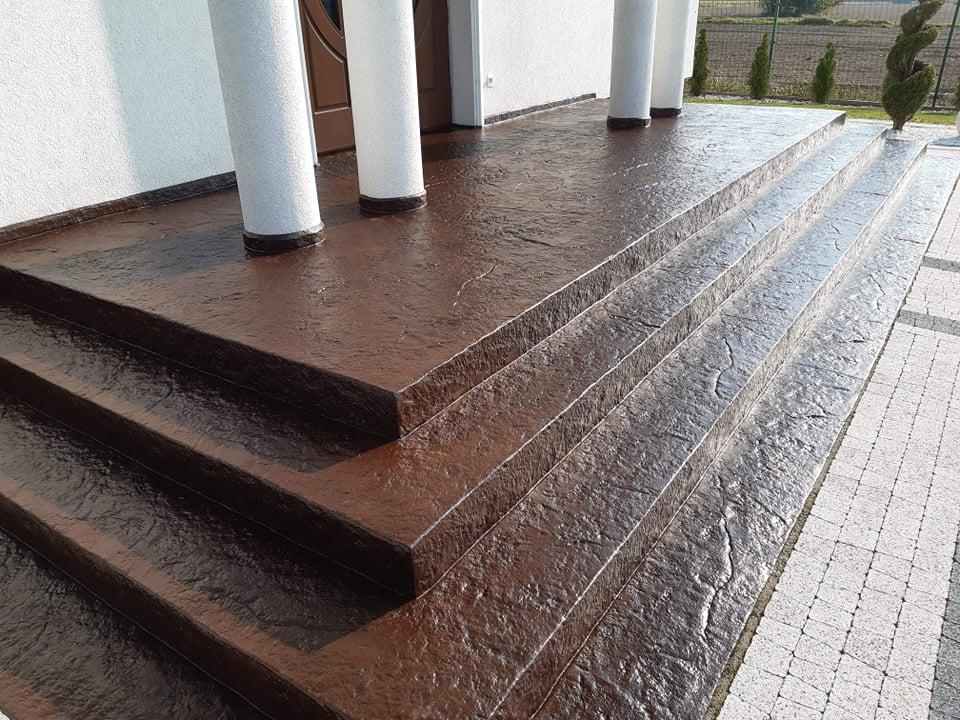 Beton stemplowany cienkowarstwowy